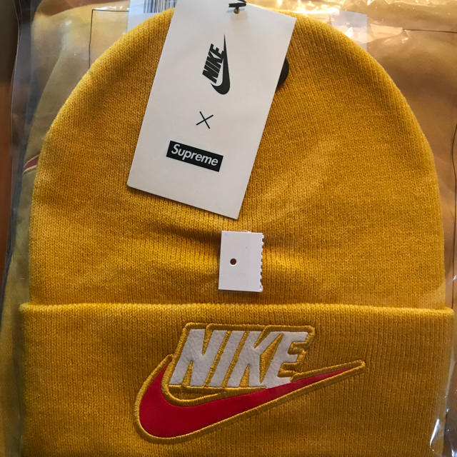 Supreme(シュプリーム)のsupreme  nike ビーニー メンズの帽子(ニット帽/ビーニー)の商品写真