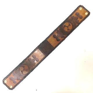三線 胴巻き ティーガー 高級本牛革 レザーカービング   左御紋 ブラウン(三線)