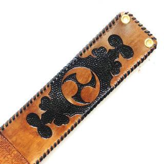 三線 胴巻き ティーガー 高級本牛革 レザーカービング ブラウン&ブラック(三線)