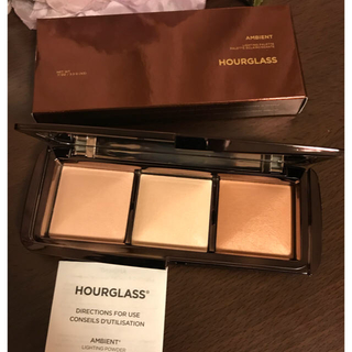 セフォラ(Sephora)のhourglass パレット HOURGLASS シルクのようなお肌に(フェイスカラー)