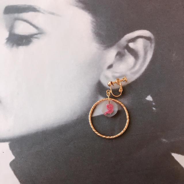 椿 ハンドメイドのアクセサリー(イヤリング)の商品写真