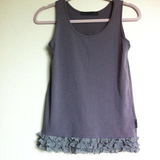 イーハイフンワールドギャラリー(E hyphen world gallery)の裾フリルの女子タンクトップ(タンクトップ)