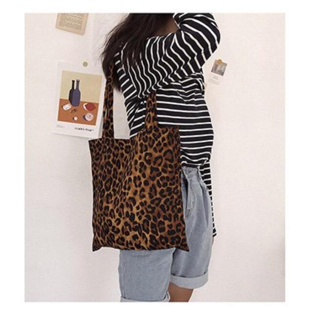 レオパード トートバッグ レディースのバッグ(トートバッグ)の商品写真