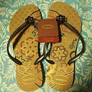 ハワイアナス(havaianas)の【新品未使用】ハワイアナス スリム ビーチサンダル ベージュ(ビーチサンダル)