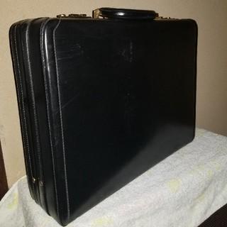 タニノクリスチー(TANINO CRISCI)のアタッシュケース(ビジネスバッグ)