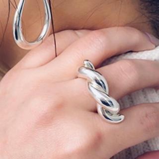 エナソルーナ(Enasoluna)のEnasoluna Pretzels ring(リング(指輪))