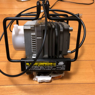 Me.リニアコンプレッサーL5 他塗装セット(中古)(模型製作用品)