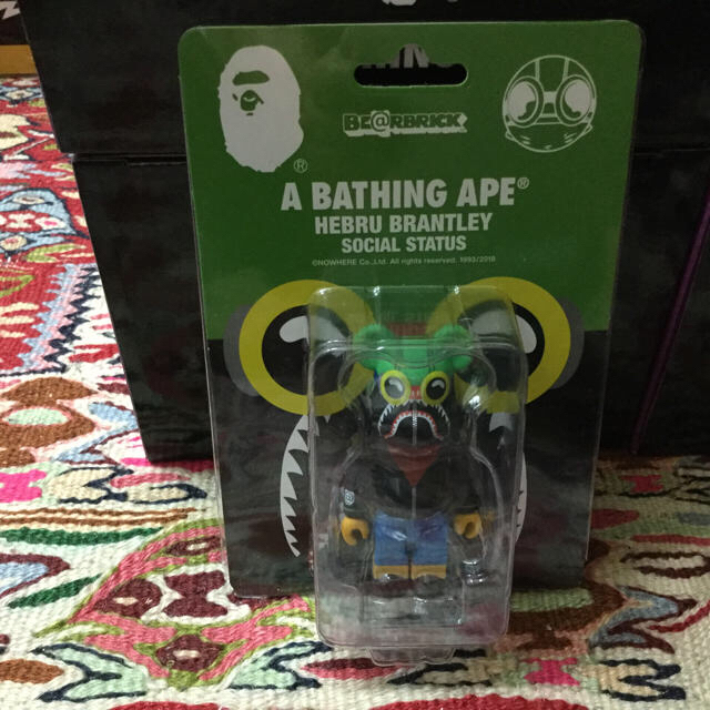 MEDICOM TOY(メディコムトイ)の送料込 A BATHING APE FLYBOY ベアブリック 100% エンタメ/ホビーのフィギュア(その他)の商品写真
