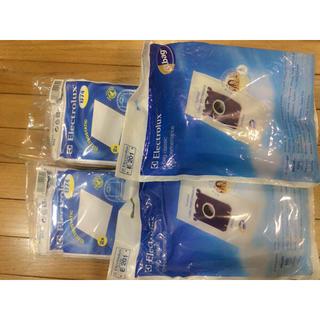 エレクトロラックス(Electrolux)のElectrolux ダストバッグ4枚入×2袋 モーターフィルター2枚入り×2袋(掃除機)