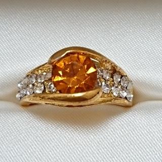 新品未使用 美品 リング 指輪 オシャレなデザイン 女性用 サイズ17号 37(リング(指輪))