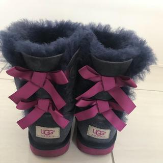 アグ(UGG)のugg キッズ ブーツ 21.5センチ サイズ2 (ブーツ)