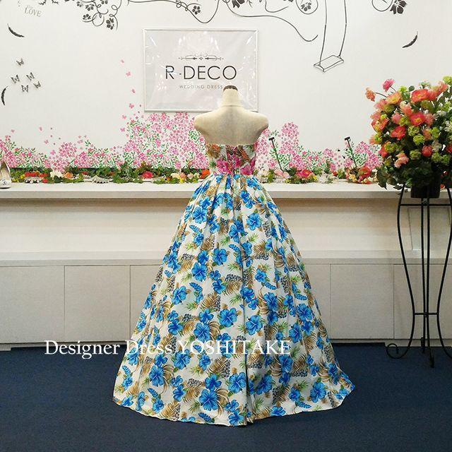 ウエディングドレス(パニエ無料) ハイビスカス柄(二色) 披露宴/二次会 レディースのフォーマル/ドレス(ウェディングドレス)の商品写真