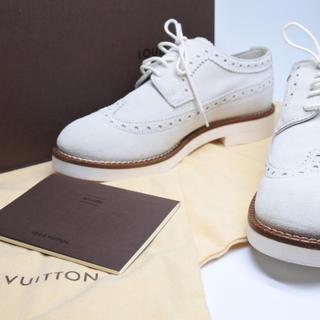 ルイヴィトン(LOUIS VUITTON)のルイヴィトン ウィングチップ ホワイト スエード 美品 34 箱付き シューズ(ローファー/革靴)