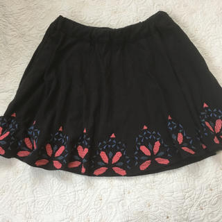 イレブンパリ(ELEVEN PARIS)のLITTLE ELEVEN PARIS 120サイズ 黒 刺繍 スカート(スカート)