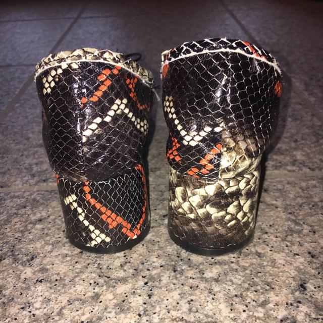ZARA(ザラ)のZARA BASIC パイソン パンプス レディースの靴/シューズ(ハイヒール/パンプス)の商品写真