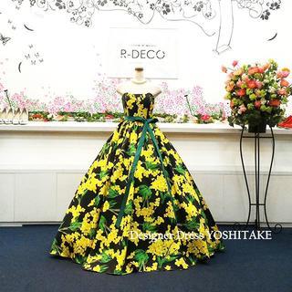 ウエディングドレス(パニエ無料) イエロー・黒花柄ドレス 披露宴/二次会(ウェディングドレス)