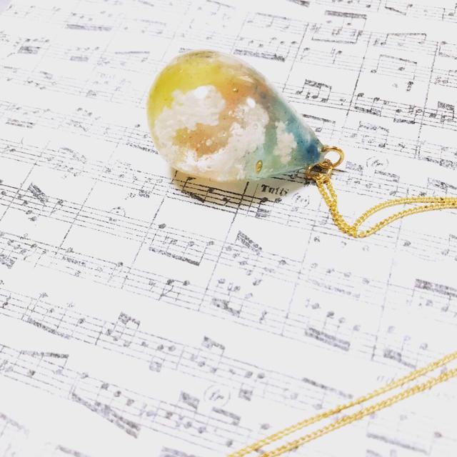 想い出の空しずくネックレス〔小さな恋の空〕 ハンドメイドのアクセサリー(ネックレス)の商品写真