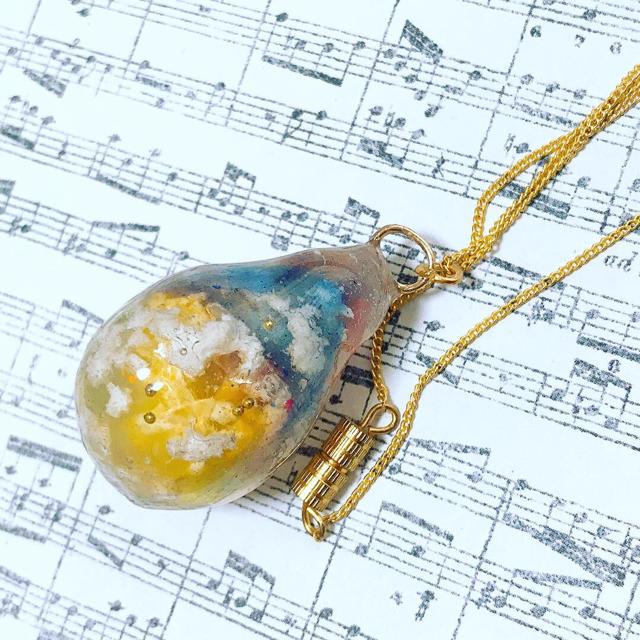 想い出の空しずくネックレス〔夕暮れの空〕 ハンドメイドのアクセサリー(ネックレス)の商品写真