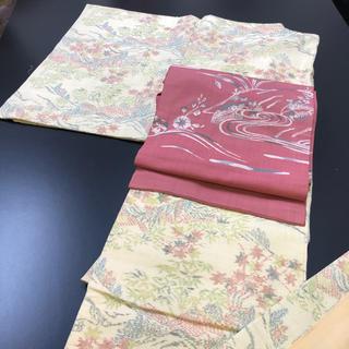 正絹。紬、クリーム色地の可愛い柄の着物(帯は別売り)(着物)