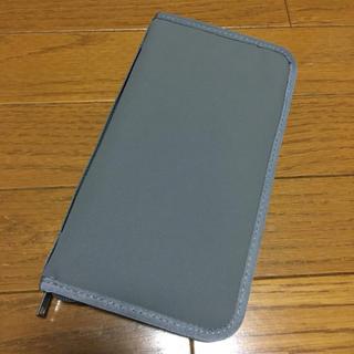 MUJI (無印良品) - 無印良品 パスポートケース グレー 本体のみリフィールクリアポケットなし