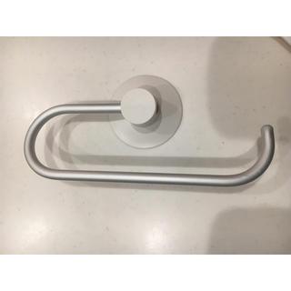 ムジルシリョウヒン(MUJI (無印良品))のアルミループタオルハンガー ・吸盤タイプ 約幅18.5センチ(押し入れ収納/ハンガー)
