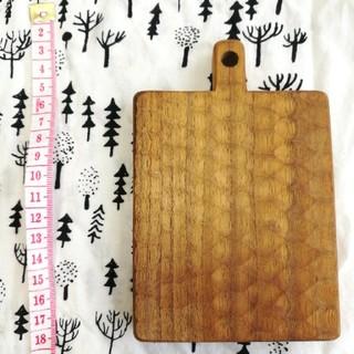 イッタラ(iittala)の小沢賢一 値下げカッティングボード コースター四角くるみ(キッチン小物)