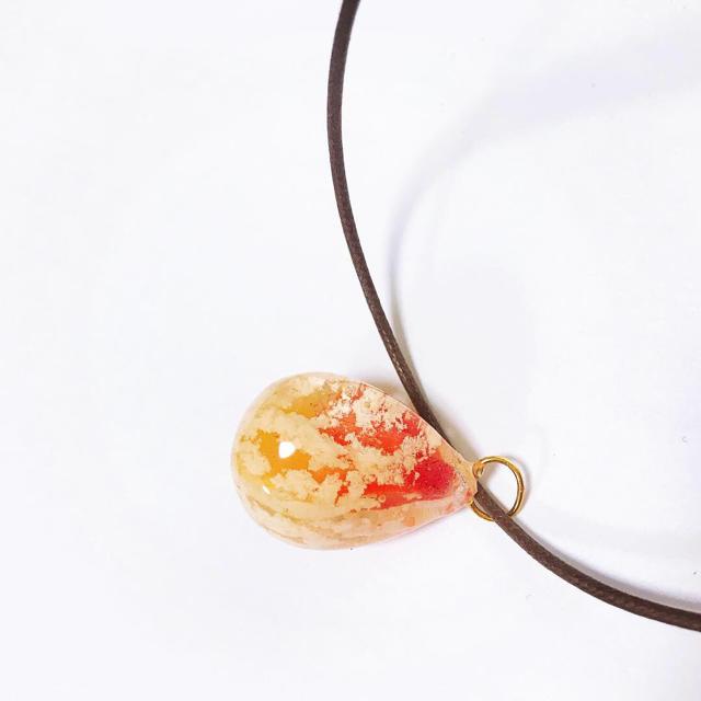 想い出の空しずくネックレス ハンドメイドのアクセサリー(ネックレス)の商品写真