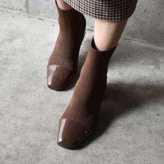 ザラ(ZARA)の新品 ブラウンブーツ ソックスブーツ(ブーツ)