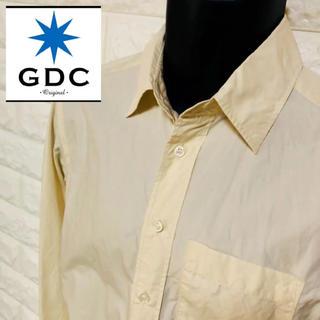ジーディーシー(GDC)の【美品】GDC シェルボタン アンティックホワイトドレスシャツ(シャツ)