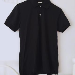 ジーユー(GU)のブラックポロシャツ(ポロシャツ)