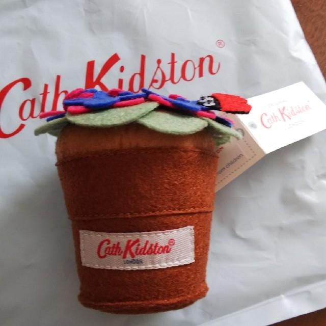 Cath Kidston(キャスキッドソン)の新品 キャス・キッドソン 針山 針刺し ソーイング 花 てんとう虫 裁縫 手芸 インテリア/住まい/日用品のインテリア/住まい/日用品 その他(その他)の商品写真