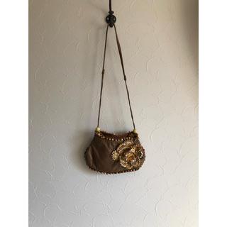 ジャマンピュエッシュ(JAMIN PUECH)のジャマンピュエッシュ 小さなお花付きバッグ(ショルダーバッグ)