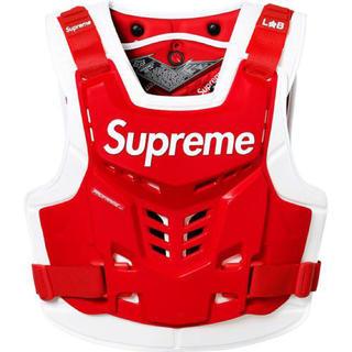シュプリーム(Supreme)の赤 L/XL Supreme Fox Racing Deflector Vest(装備/装具)
