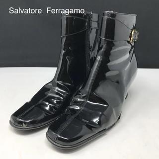 サルヴァトーレフェラガモ(Salvatore Ferragamo)の正規品 フェラガモ ガンチーニ パテントレザー ショートブーツ(ブーツ)