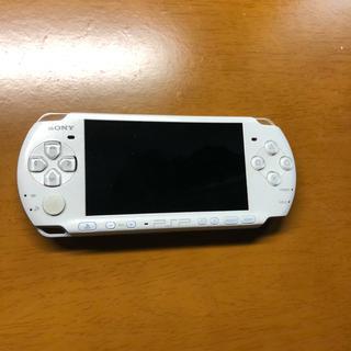 プレイステーションポータブル(PlayStation Portable)のPSP 本体 ホワイト 3000(携帯用ゲーム本体)