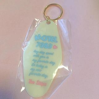 ハニーミーハニー(Honey mi Honey)のThe Skips♡Motel key モーテルキーホルダー♡ホワイト(キーホルダー)