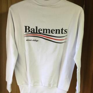 バレンシアガ(Balenciaga)のBalements(バレモン)  白スウェット(スウェット)