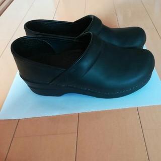 ダンスコ(dansko)のダンスコ 黒 サイズ36(ローファー/革靴)