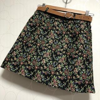 シマムラ(しまむら)の新品 しまむら 花柄 ミニスカート ゴブラン織り 秋冬(ミニスカート)