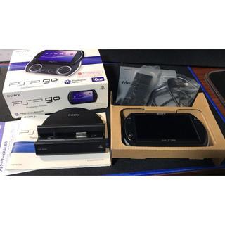 プレイステーションポータブル(PlayStation Portable)のレオ様専用 PSP go 美品 クレードル/コンポーネントケーブル(携帯用ゲーム本体)