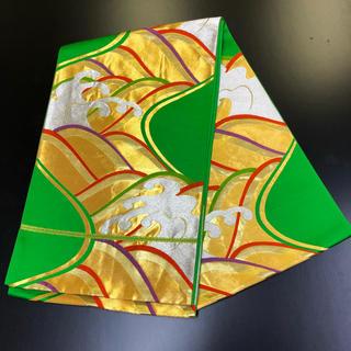 正絹。袋帯。緑地に金色の柄。(帯)