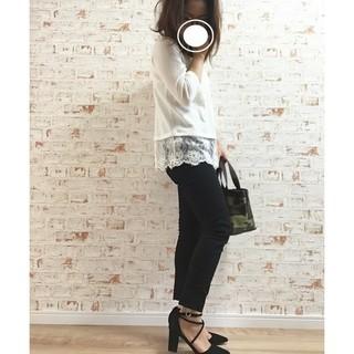 ジーユー(GU)のGU 裾レース カットソー Tシャツ(Tシャツ(長袖/七分))