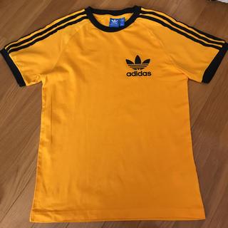 アディダス(adidas)のadidasティーシャツ(Tシャツ(半袖/袖なし))