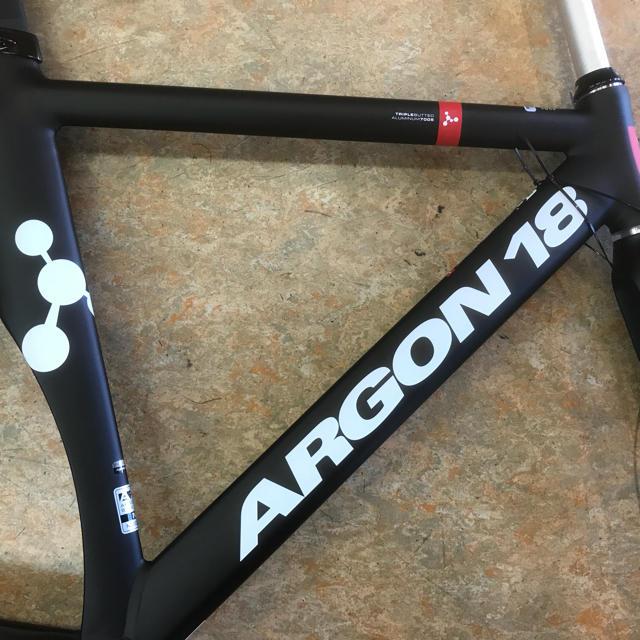 ARGON 18『エレクトロン アルミトラックフレーム』Mサイズ スポーツ/アウトドアの自転車(自転車本体)の商品写真