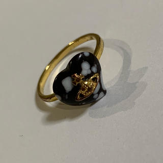 ヴィヴィアンウエストウッド(Vivienne Westwood)のヴィヴィアンウエストウッド リング 黒 金 ハート モチーフ(リング(指輪))