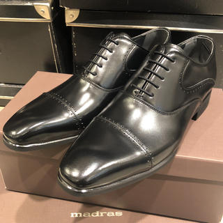 マドラス(madras)のmadras 革靴 レザーシューズ ストレートチップ 冠婚葬祭可 正装 24.5(ドレス/ビジネス)