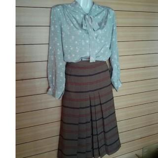 トウキョウエクストラグレイド(TOKYO EXTRA GRADE)の前プリーツスカート(ひざ丈スカート)