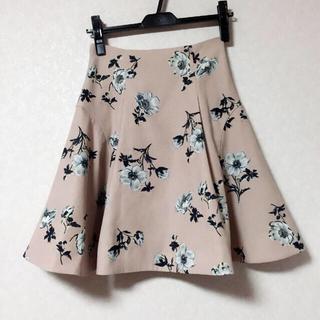 ノエラ(Noela)のnoela*リリーフラワースカート(ひざ丈スカート)
