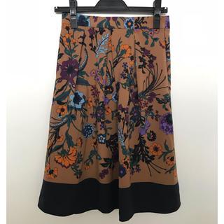 エージー(AG)の値下げ!新品 未使用 花柄スカート 総丈60.5cm M (ひざ丈スカート)