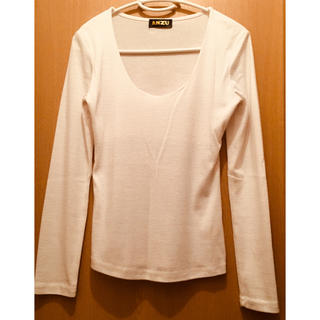 アンズ(ANZU)のANZU】コットン100% Mサイズ 白 ロンT カットソー Tシャツ(Tシャツ/カットソー(七分/長袖))